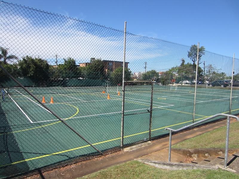 clayfield tennis court