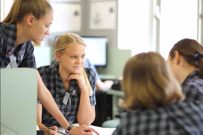 澳洲中學 一年的學費大約要多少?
