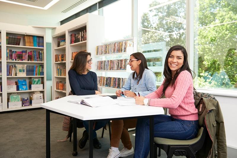 納維英語學院 Navitas English